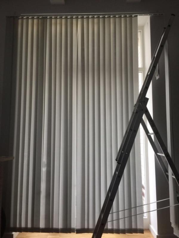Jalousien In Berlin vertikal lamellen anlage jalousien rollos weiss silber fehlkauf