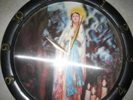 Wanduhr mit Hologramm Schlafzimmeruhr Maria: Kleinanzeigen aus Birkenheide Feuerberg - Rubrik Uhren