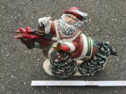 Weihnachtsmann auf dem Pferd Gips