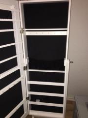 schmuckschrank haushalt m bel gebraucht und neu kaufen. Black Bedroom Furniture Sets. Home Design Ideas