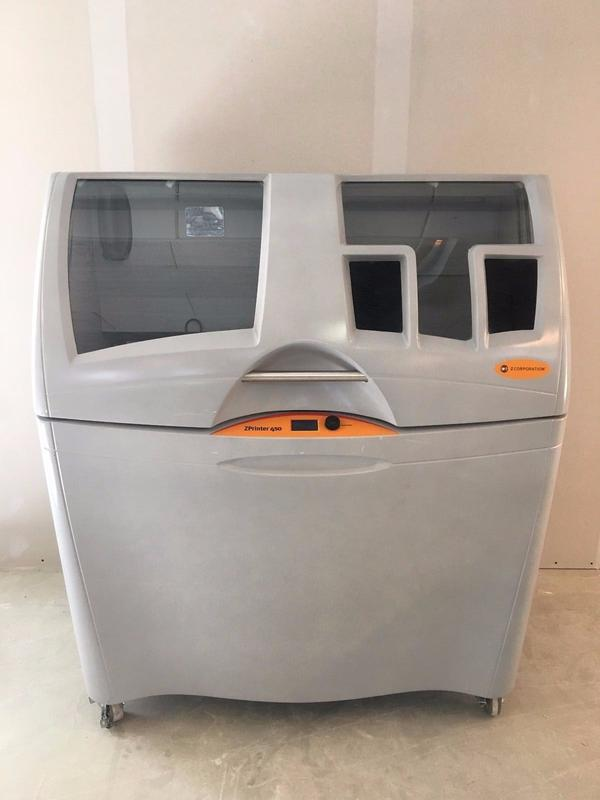 ZCorp ZPrinter 450 3D Printer Extra Powder and Other Accessories - Selb Hammergut - Marke: ZCorporation Modell: ZPrinter 450Herstellernummer: 45110596ZCorp ZPrinter 450It has a resolution of 300x450 dpi and a print speed of 2-4 layers/min. A picture with connection possibilities has been uploaded.Besides the machine we a - Selb Hammergut