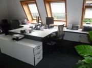 Zwei weiße Schreibtische mit zwei großen Rollcontainern, gebraucht gebraucht kaufen  Stuttgart Bad Cannstatt